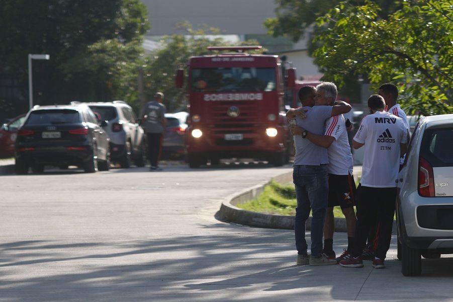 Partage:: Incendie meurtrier de Flamengo : le choc et les larmes.